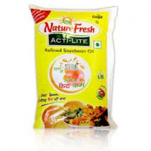 Nature Fresh Refined Soyabean Oil Pouch 1ltr